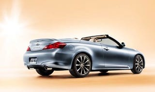 Illustration for article titled 2009 Infiniti G37 Convertible Teases Us Right With New Shot