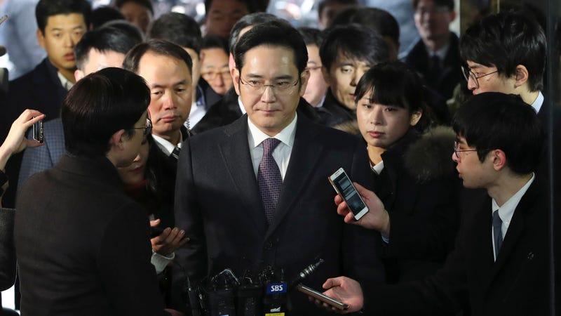 El vicepresidente de Samsung, Lee Jae-yong, llegando a declarar al tribunal surcoreano. Imagen: AP