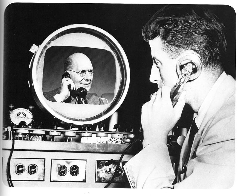 Illustration for article titled Is This a Real Picturephone? (1939)
