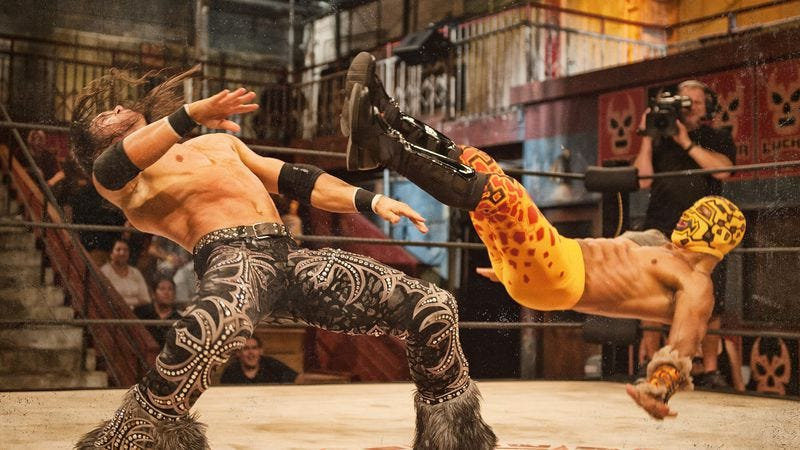 Illustration for article titled Lucha Underground renewed for second season of acrobatic ass-kicking