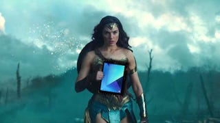 Illustration for article titled I Am Irrationally Mad About Wonder Woman's Android Tablet