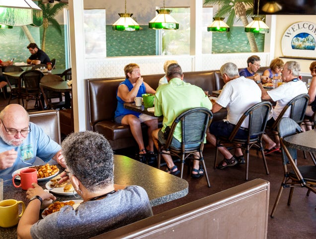 Illinois Restaurants Reopen At 95% Capacity After Factoring In Quarantine Weight Gain
