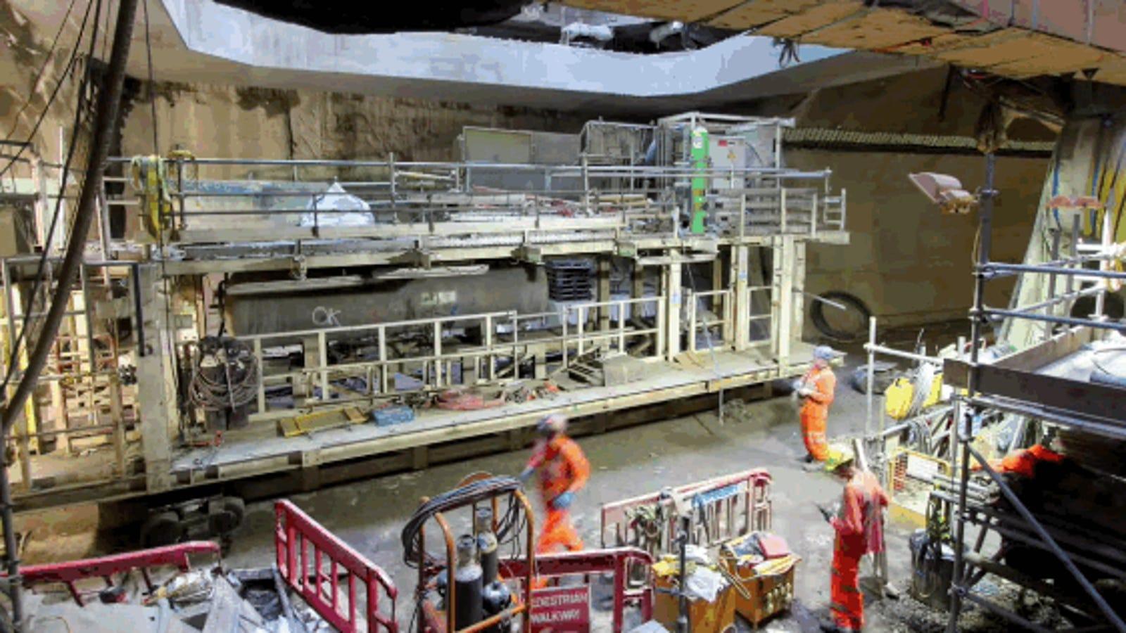 Así se desmonta una colosal máquina perforadora a 40 metros bajo tierra