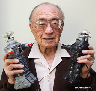 Illustration for article titled Designer of Robby the Robot and 'Lost in space' Robot dies at 100