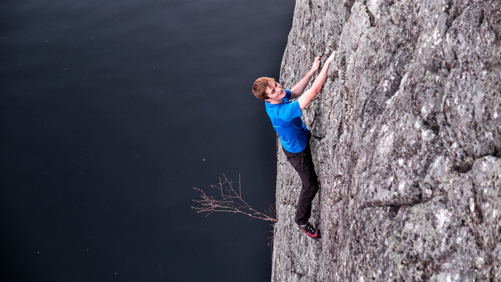 How To Climb Big Cliffs Without Ropes And Not Die Rock Climbing Rope