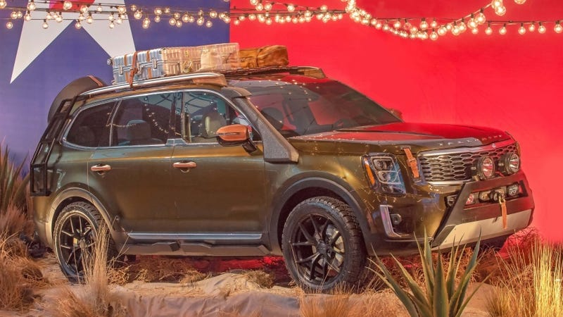 Illustration for article titled Kia Surprised Everyone By Debuting the 2020 Telluride at New York Fashion Week