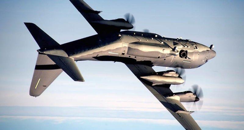 Illustration for article titled Dos pilotos destrozan uno de los nuevos aviones pesados de EE.UU. tras volar cabeza abajo