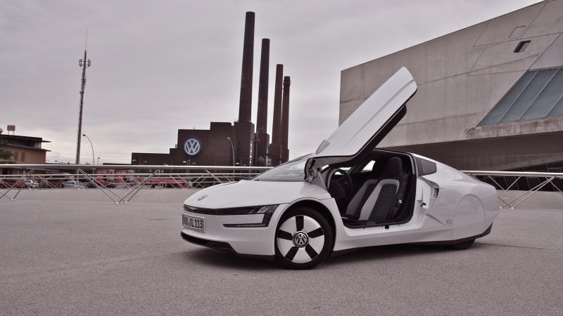 Illustration for article titled Driving Volkswagen's 261 MPG Car Is Like Driving The Future