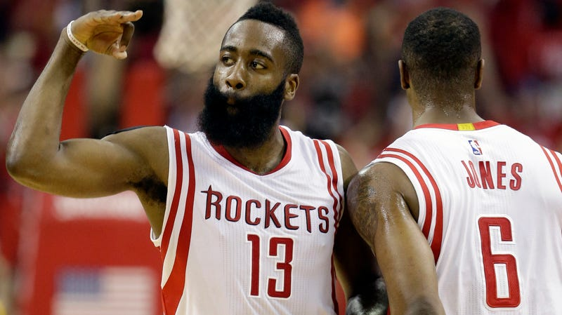 Illustration for article titled First Quarter Offensive Explosion Propels Rockets Past Warriors