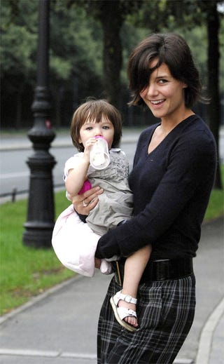 Illustration for article titled Katie Holmes' Haircut Is Growing On Us (And Her!). Suri's, Er, Not So Much