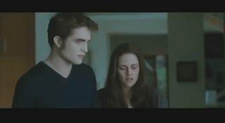 Illustration for article titled Translating The Twilight: Eclipse Trailer