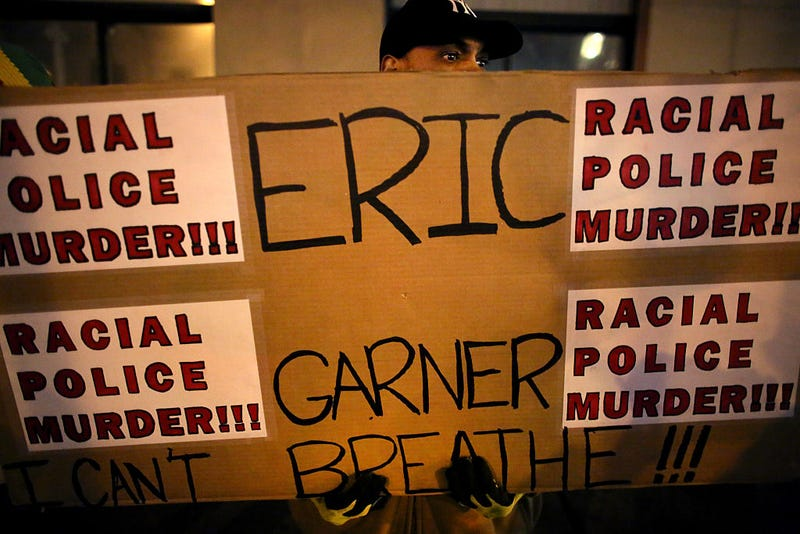 Illustration for article titled NYPD Officer Who Killed Eric Garner Set to Begin Trial Monday