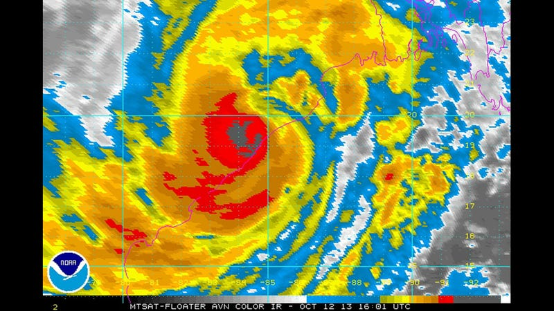 Illustration for article titled A Really Enormous Cyclone Is About To Hit India's Eastern Coast