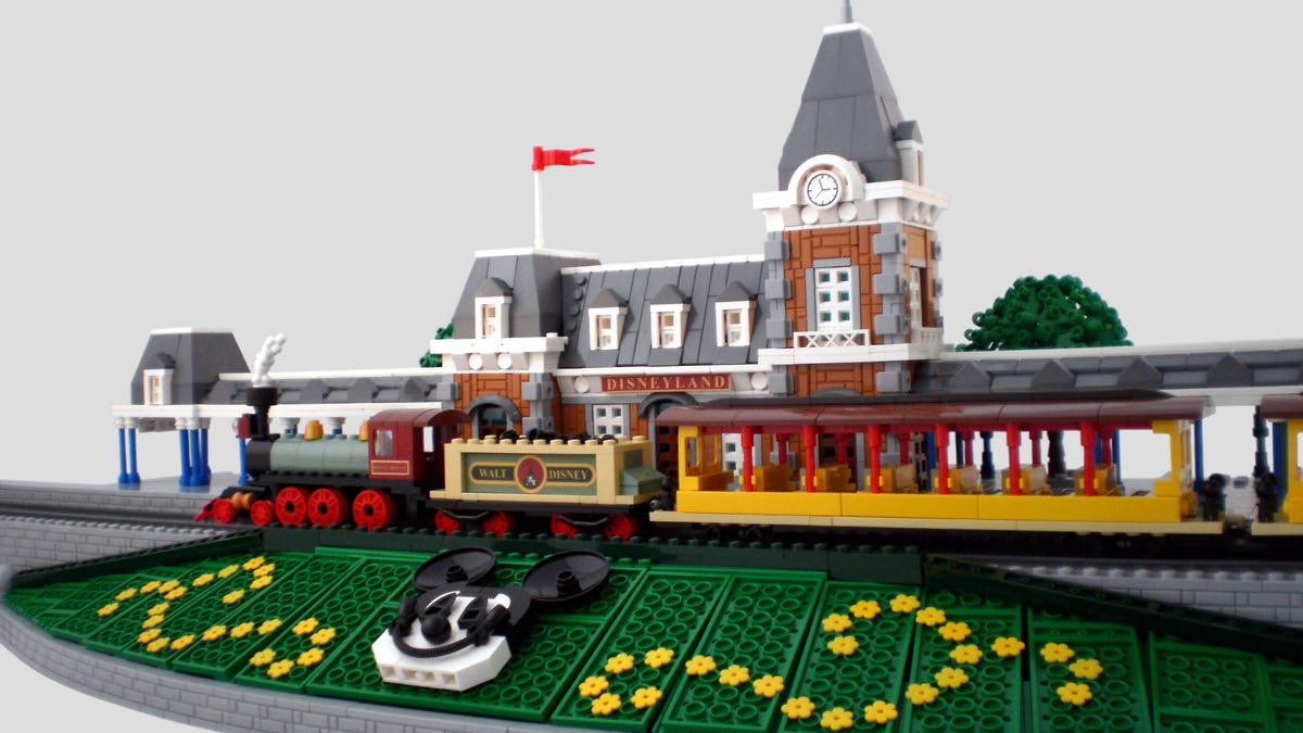 This micro Lego train station is the happiest place on Earth