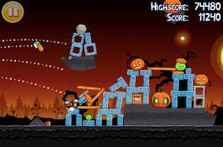 Illustration for article titled Angry Birds Halloween Has 45 Spooky New Levels