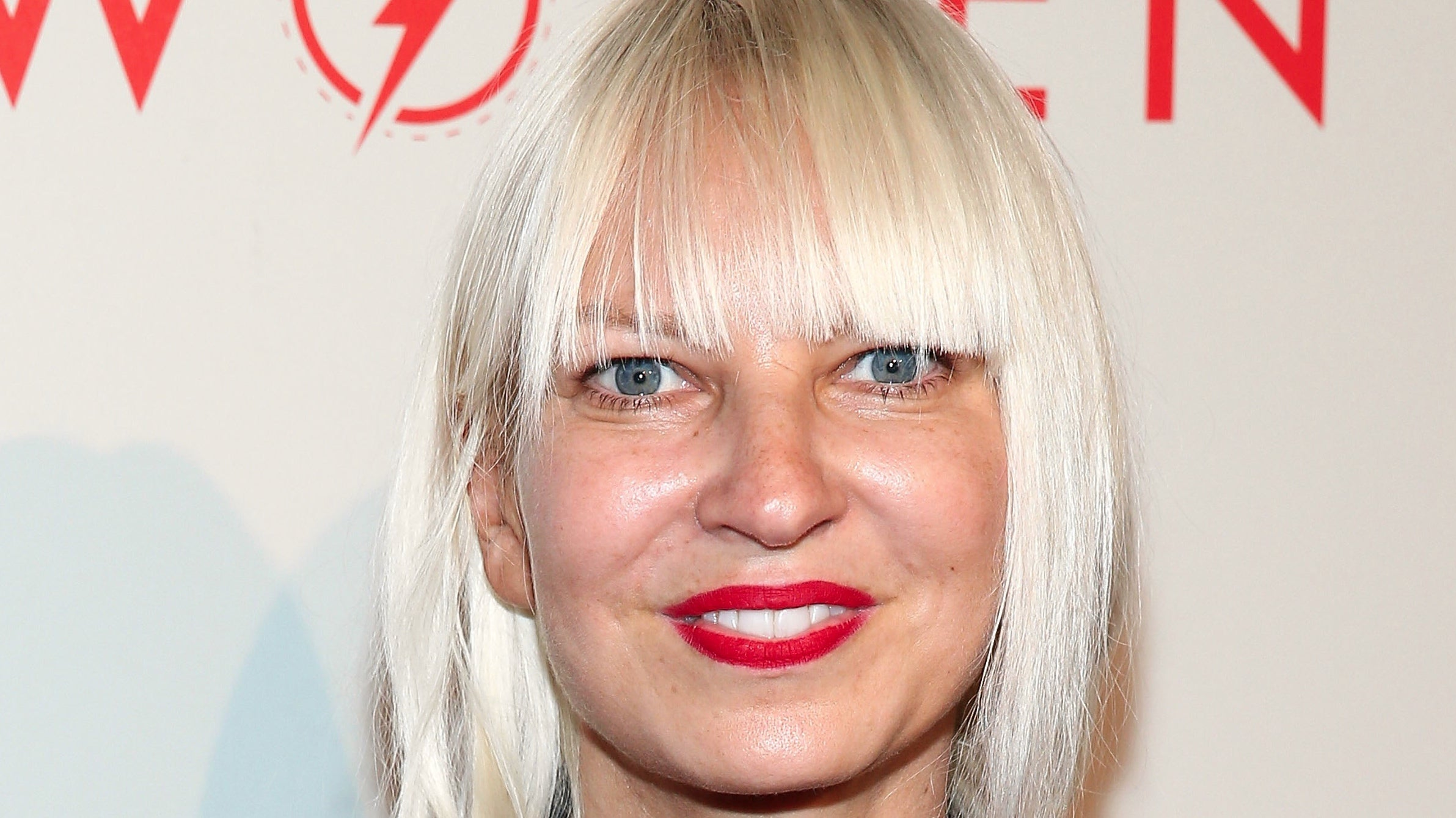 Sia: Sia Briefly Looked For Creative Ways To Punish Her Dry Cleaner