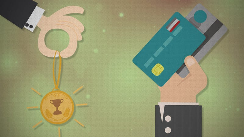 Illustration for article titled Money Advice the Experts Don't Agree On: Using Credit Card Rewards