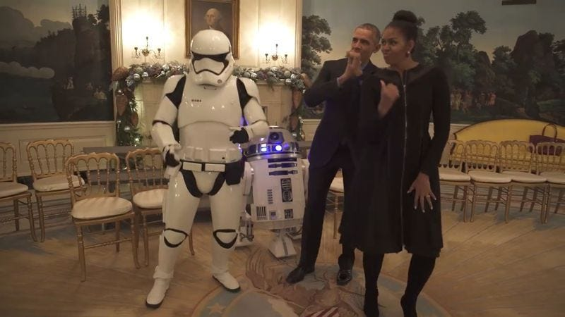 Illustration for article titled Barack and Michelle Obama, R2-D2 enjoy one final Star Wars-themed dance party