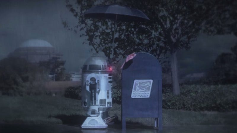Illustration for article titled R2-D2 falls in love with a mailbox in a new fan-made film
