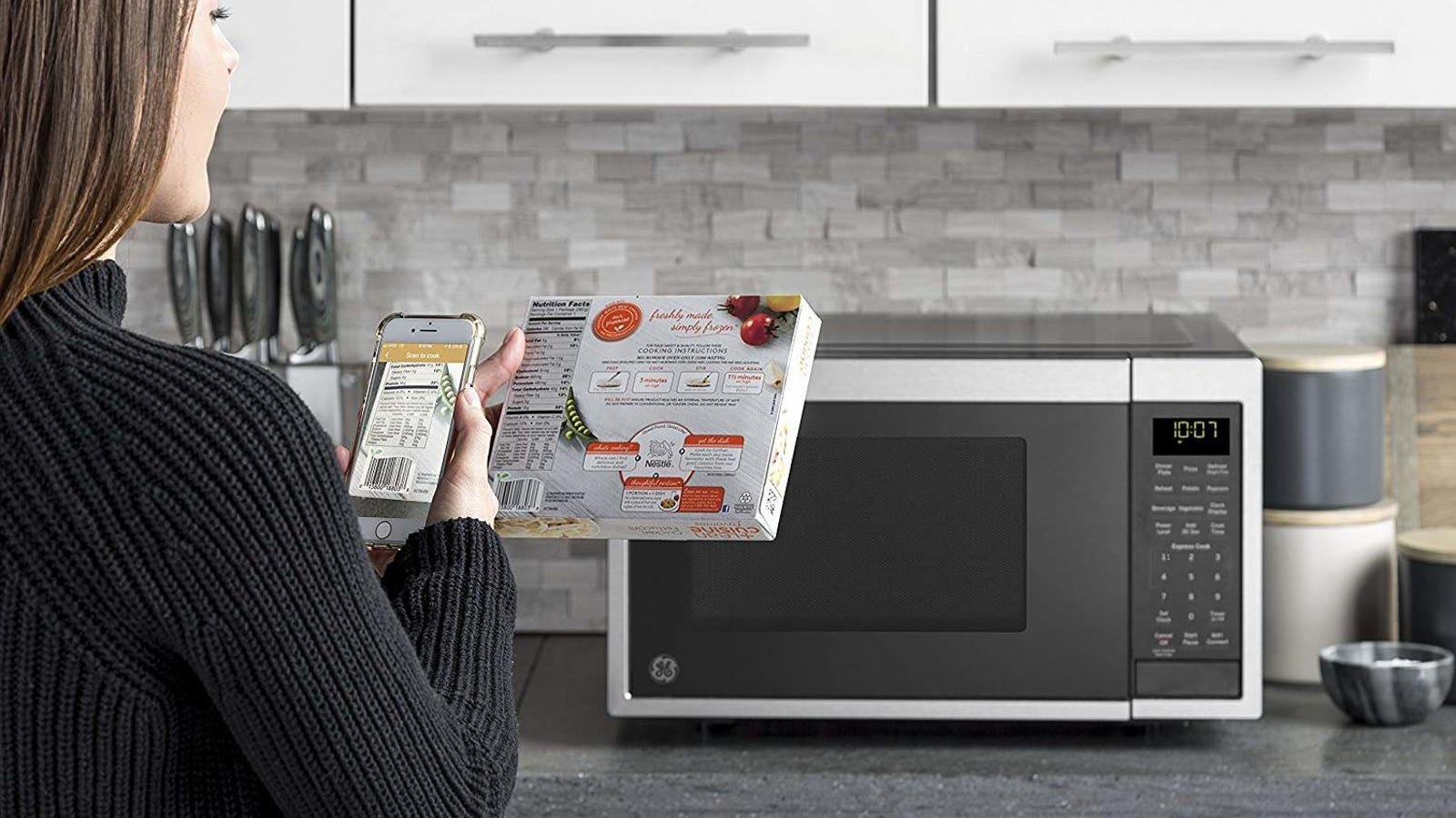This Microwave Works With Alexa, and Comes Bundled With an Echo Dot