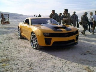 "Illustration for article titled Transformers 2 ""Bumblebee"" Camaro Heading To Chicago Auto Show"