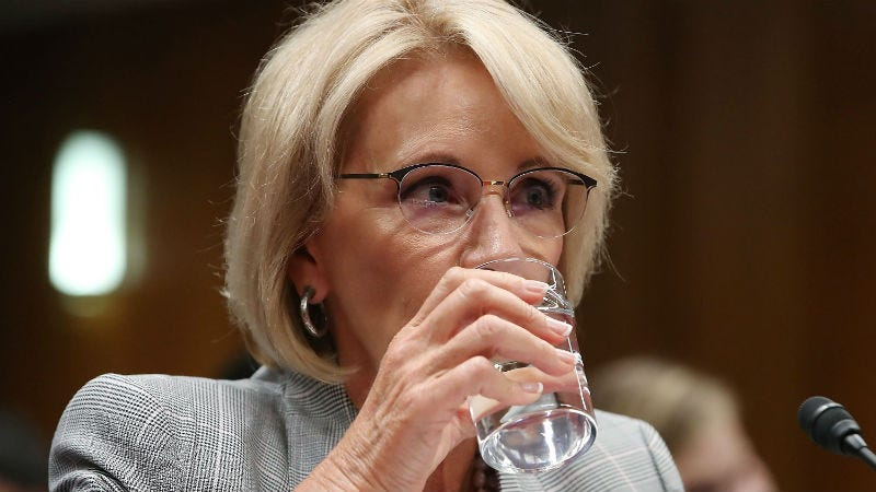 Illustration for article titled Betsy DeVos's School Safety Commission Won't Do Shit, Per Se