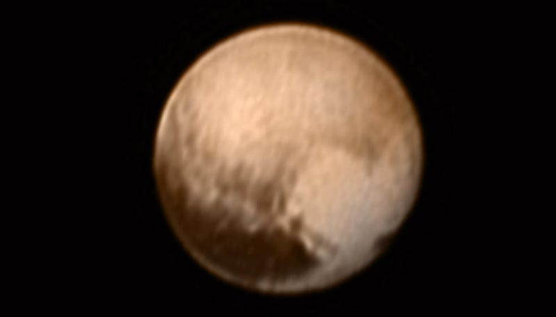 "Illustration for article titled New Horizons' Latest Image Shows Pluto's ""Heart"""