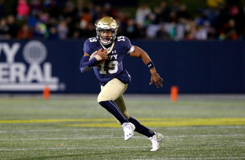 Illustration for article titled Why Did Navy QB Keenan Reynolds Disappear From ESPN's Heisman Fan Vote? [Update]