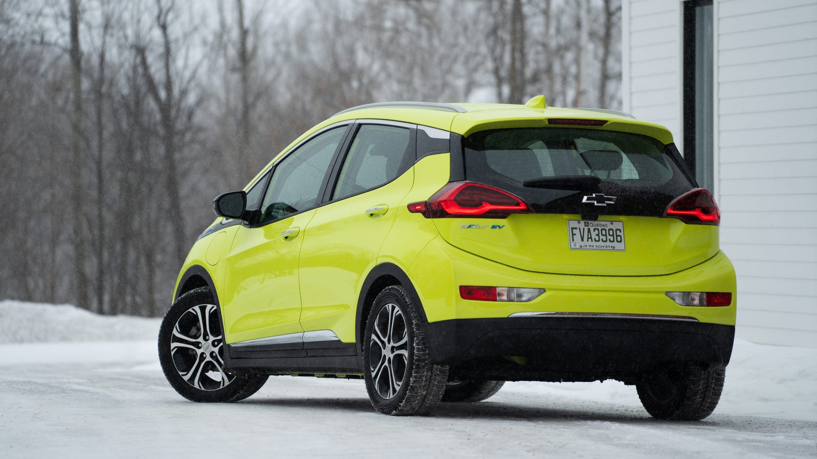 Here's What Happens to Your Electric Car in a Bitter Canadian Winter