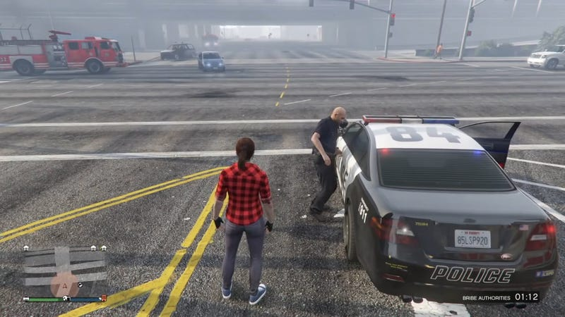 Illustration for article titled GTA Online Glitch Locks Cops Out Of Their Cars