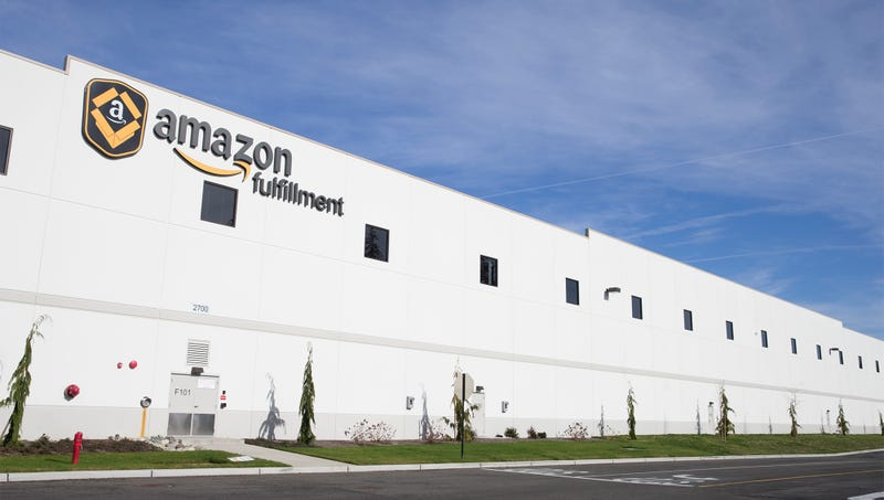 Illustration for article titled Amazon Warehouses Stocked With 20,000 Doctors In Preparation For Healthcare Launch