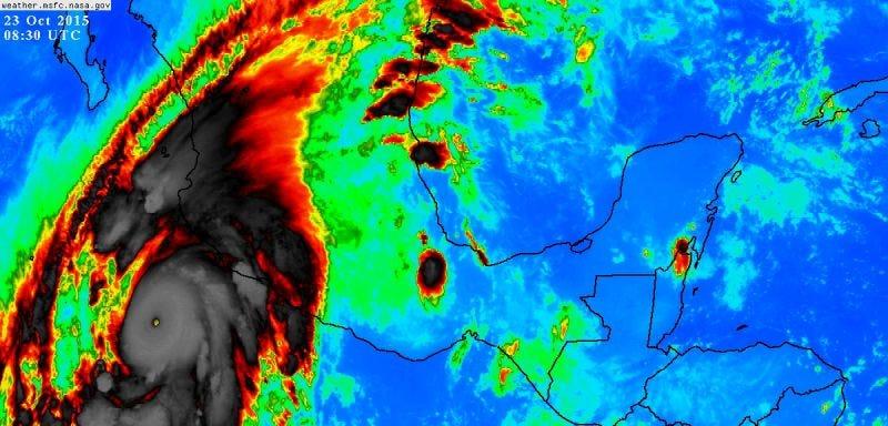 El huracán Patricia ya es el ciclón tropical más fuerte jamás registrado: 325Km/h