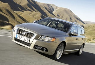 Illustration for article titled What's An Embargo? Volvo V70 Makes A Break Out Onto The Internet