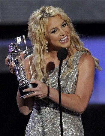 Illustration for article titled Britney Wins MTV Award For Just Showing Up, Not Tripping