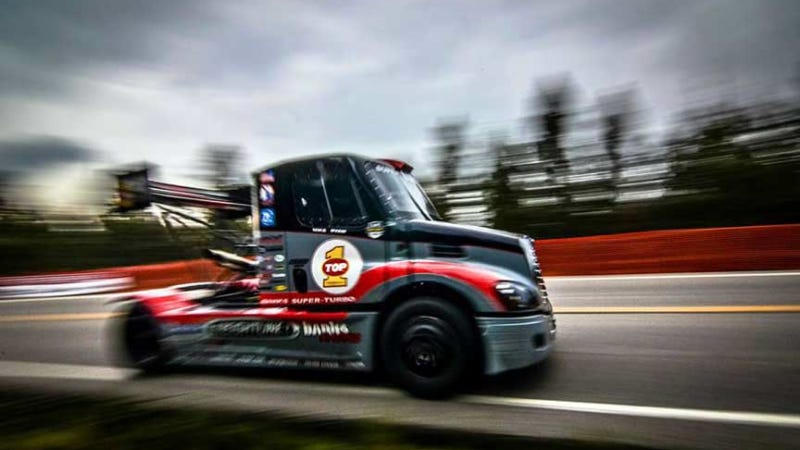 Ilration For Article Led Freightliner Race Truck Wrecked At Pikes Peak Likely Out Of Compeion
