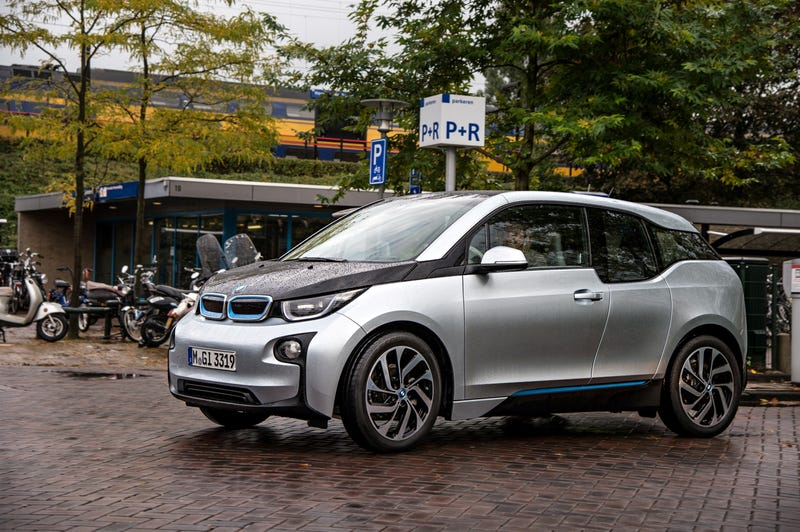 Illustration for article titled People Are Getting Paid Bank To Stop Charging Their BMW i3s