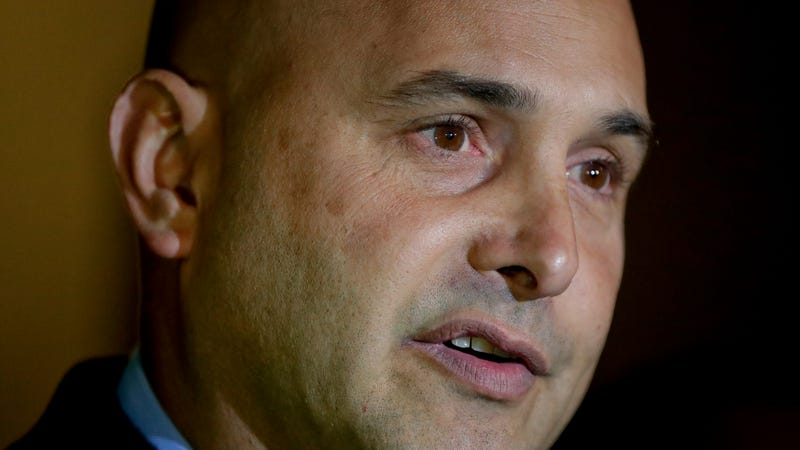 Illustration for article titled Radio Host Craig Carton Found Guilty Of Fraud, Faces 45 Years In Prison