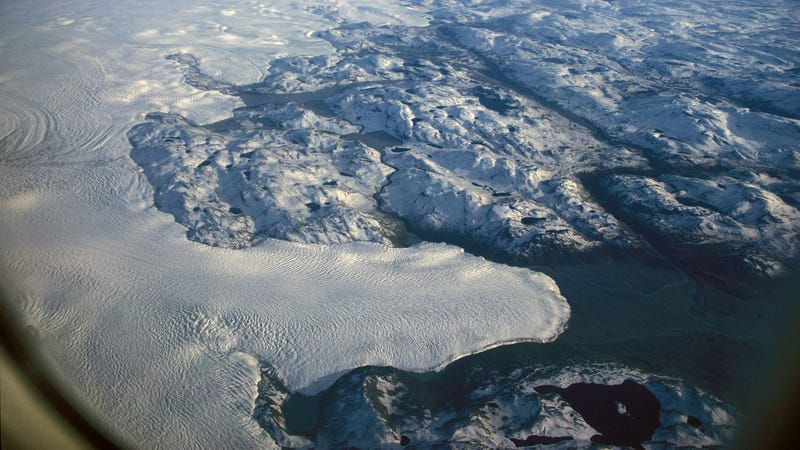 A portion of the Greenland ice sheet. Image: Wikimedia Commons