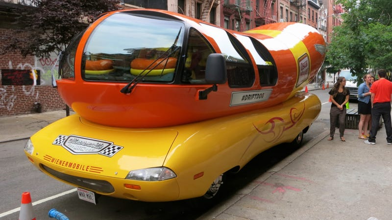 Illustration for article titled Riding 'Shotbun' In The Oscar Mayer Wienermobile