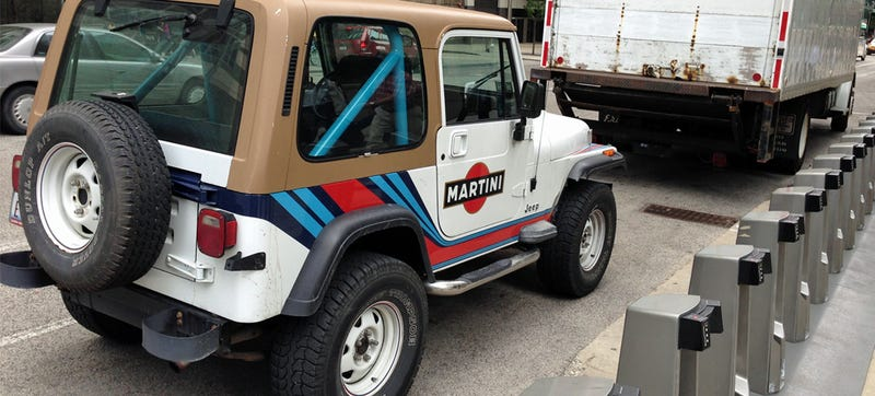Illustration for article titled Martini Livery On A Jeep Wrangler Is Real, And It's Spectacular