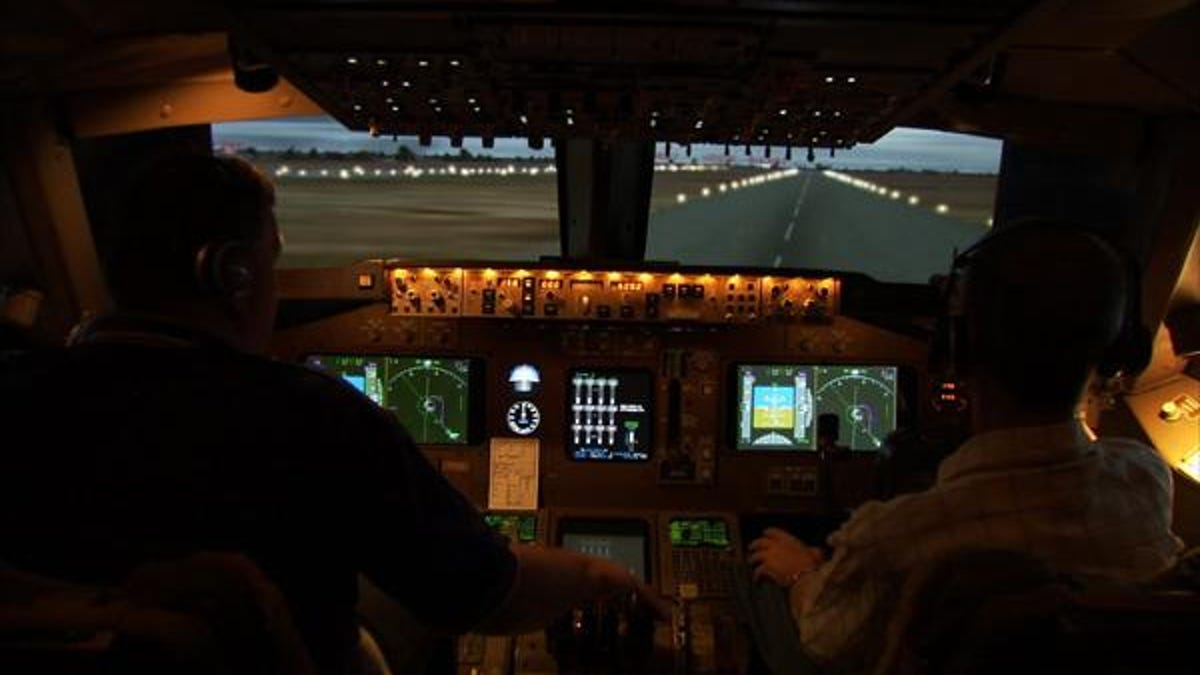 Man Builds 747 Flight Simulator in His Warehouse, Earns