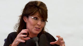 Illustration for article titled Palin's Numbers Drop While She Blames Obama For $4 Gas