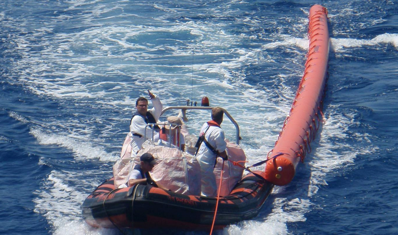 Illustration for article titled A Humongous 50-Foot Floatie Saves Refugees Stranded At Sea