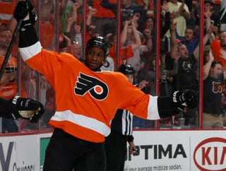 Wayne Simmonds of the Philadelphia FlyersElsa/Getty Images