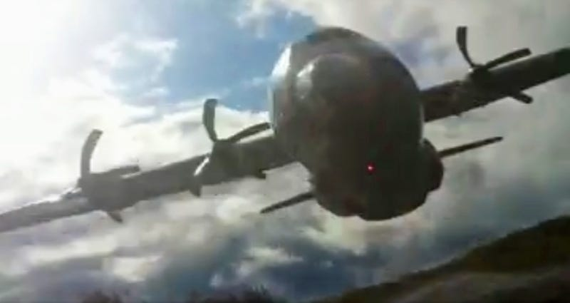 Look At This C-130 Hercules Do A Crazy-Ass Low Level Flyby ...