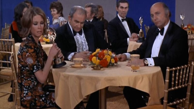 Illustration for article titled Only fake awards eluded the stars of The Mary Tyler Moore Show