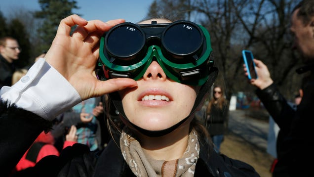 Amazon Is Cracking Down on Fake Eclipse Glasses That Could Get People Blinded
