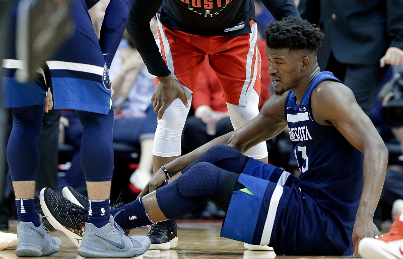 Illustration for article titled Jimmy Butler's Injury Could've Been So Much Worse, But The Wolves Are Still In Trouble