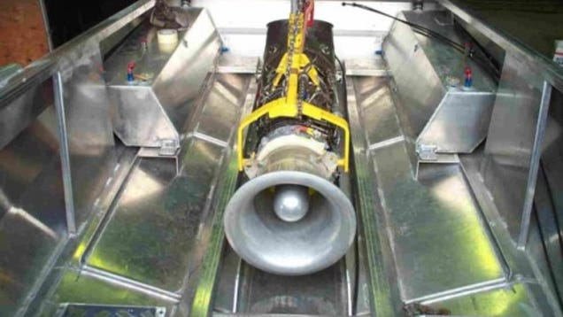 Modder Nuts Put Actual Jet Engine into Jet Boat