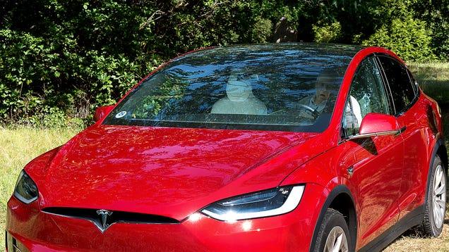 Tesla Blames User Error For Car Sealing Off Windows, Suffocating Owner Alive